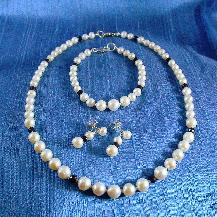 Freshwater Pearl and Sapphire Necklace, bracelet and earring set by Damselfly Studio