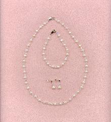 Swarovki Crystal and Freshwater Pearl necklace and earrings